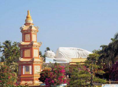 vinh-trang-pagoda-vietnam